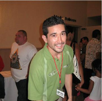 Dr. Aren Viveiros
